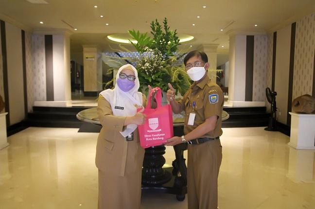 Dinkes Bagikan 2.700 Lembar Masker untuk Seluruh OPD Kota Bandung